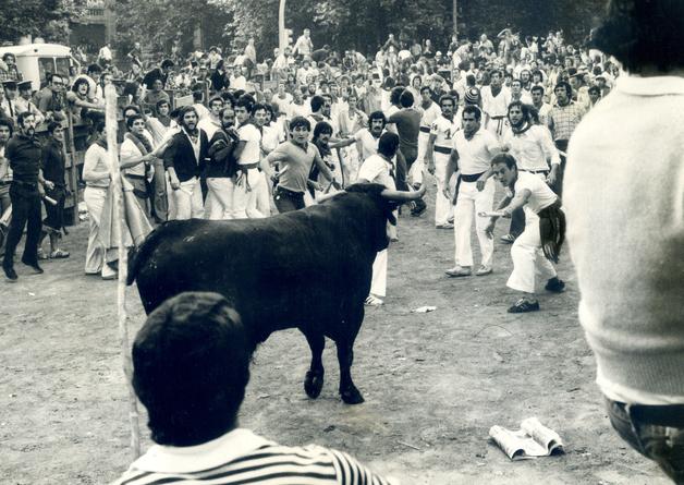 1976-07-p600